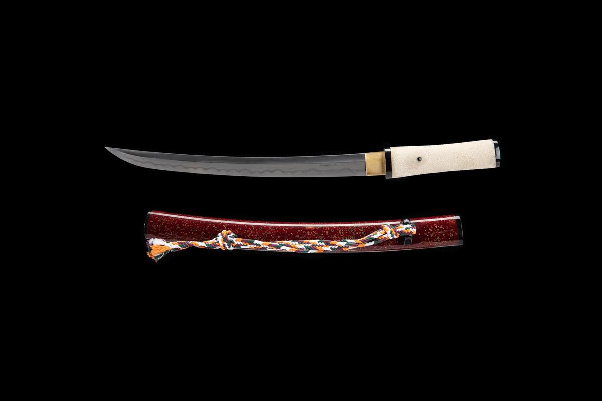 Janpanese Tanto Shobu Zukuri Clay Tempered Folded Steel Kobuse Blade Sword
